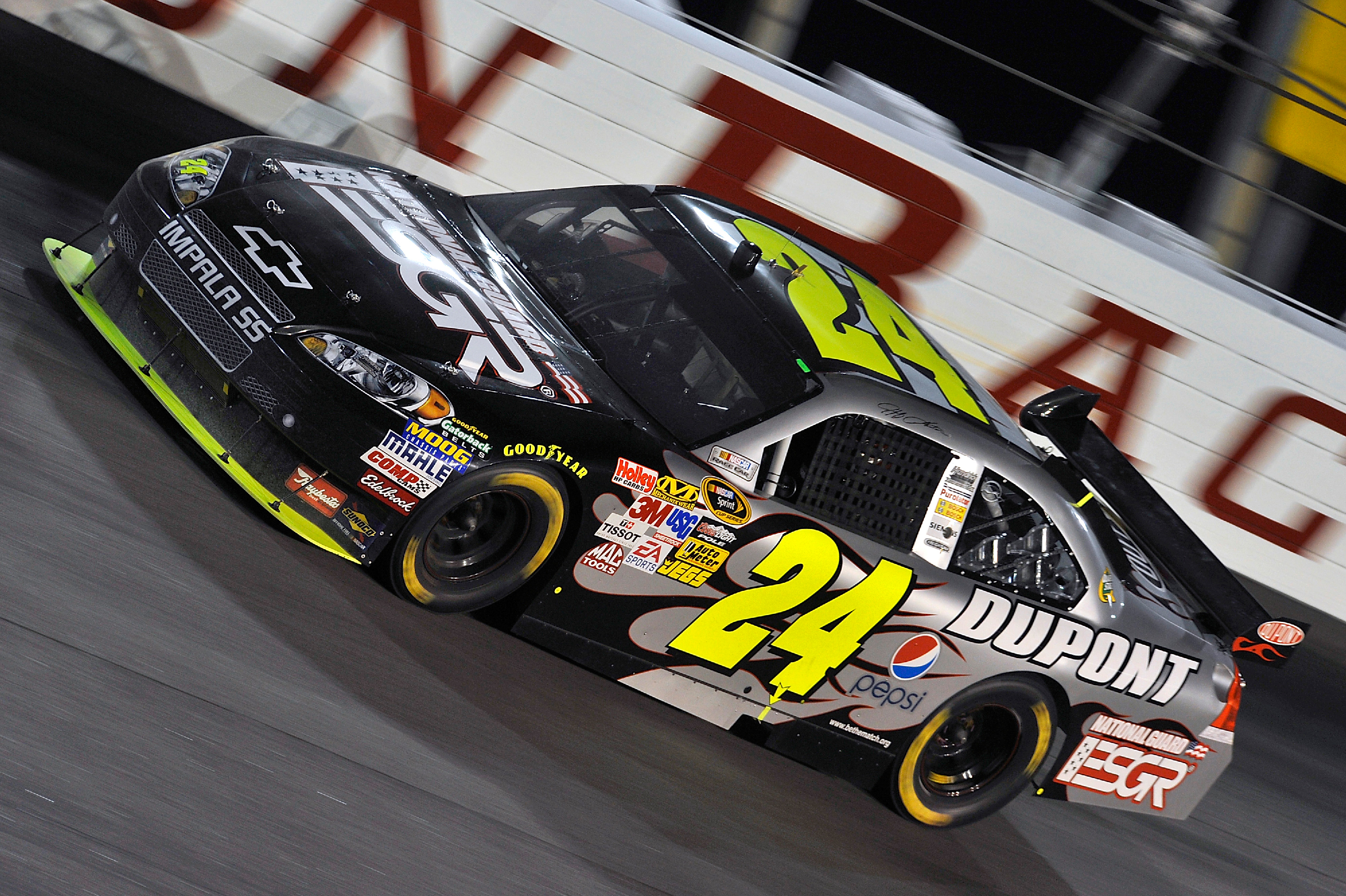 Jeff Gordon's No. 24 DuPont/National Guard ESGR Chevrolet rounds the track at Darlington Raceway in Darlington, SC May 9, 2009. Gordon overcame a one-lap deficit to finish fifth. (Photo Courtesy of Hendrick Motorsports)