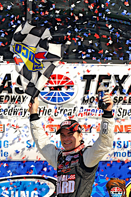 3-5 April, 2009, Fort Worth, Texas, USA Jeff Gordon in Victory Lane. ©2009, autostock, USA Brian Czobat