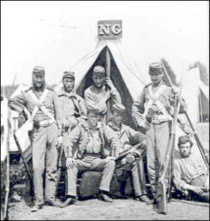 Enlisted members of the 7th New York Volunteer Infantry